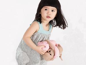 润婴宝波普碎花撞色童装 在炎热的夏季带给宝宝更多凉爽